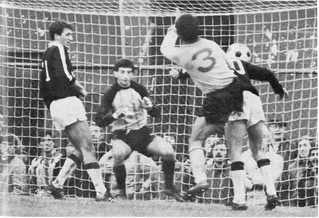 1984-85-alessandria-derthona-1-3-cenci-gol-1-2