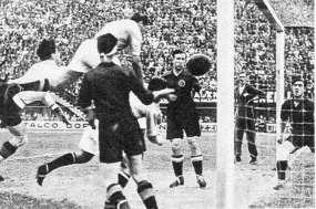 1934-Italia-Spagna-gol-di-Meazza
