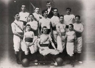 il-gruppo-atletico-club-che-nel-1903-confluisce-nellusc